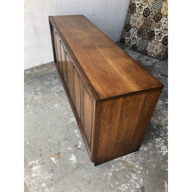 Mid-Century Modern Vintage Mid Century Modern Sideboard Credenza by Broyhill Emphasis Collection For Sale - Image 3 of 13