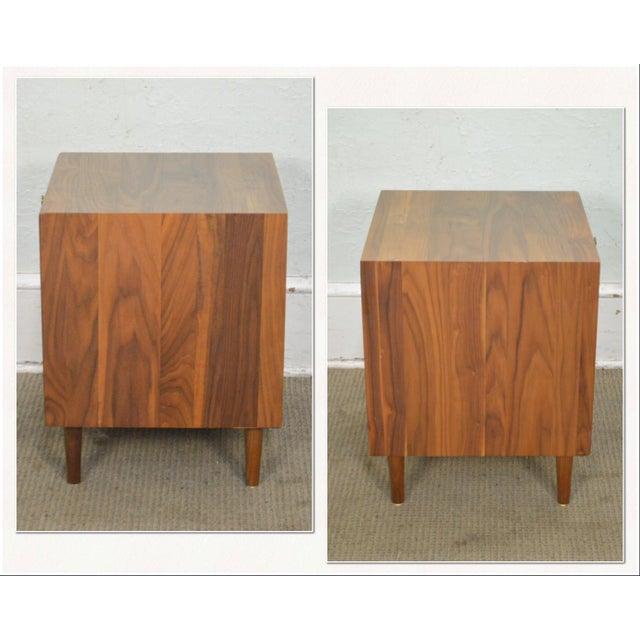 *STORE ITEM #: 17621 Copeland Danish Modern Style Walnut 1 Drawer Nightstand AGE / ORIGIN: Approx. 5 years, America...