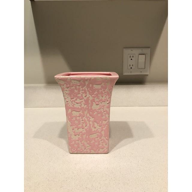 1950s McCoy Pink & Cream Brocade Vase For Sale - Image 5 of 5