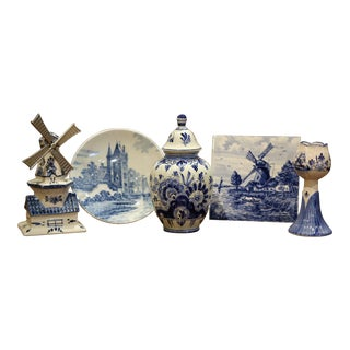 Early 20th Century Dutch Blue and White Delft Faience Pieces, Set of Five For Sale