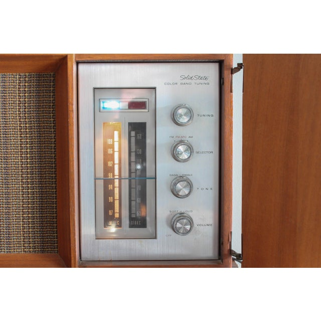 Vintage Panasonic Solid State Amfm Transistor Radio Model #Re-7487 With Refinished Teak Cabinet For Sale - Image 6 of 10