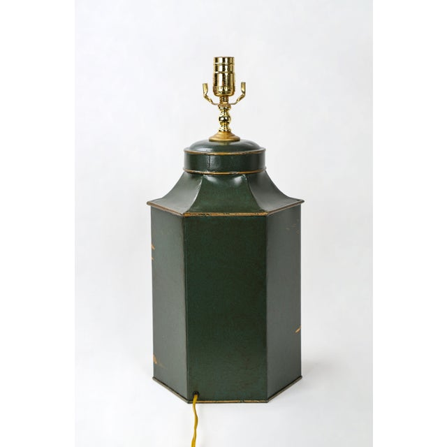 Chinoiserie Vintage English Export Hexagonal Tea Caddy Hand-Painted Chinoiserie Landscape Lamp For Sale - Image 3 of 9