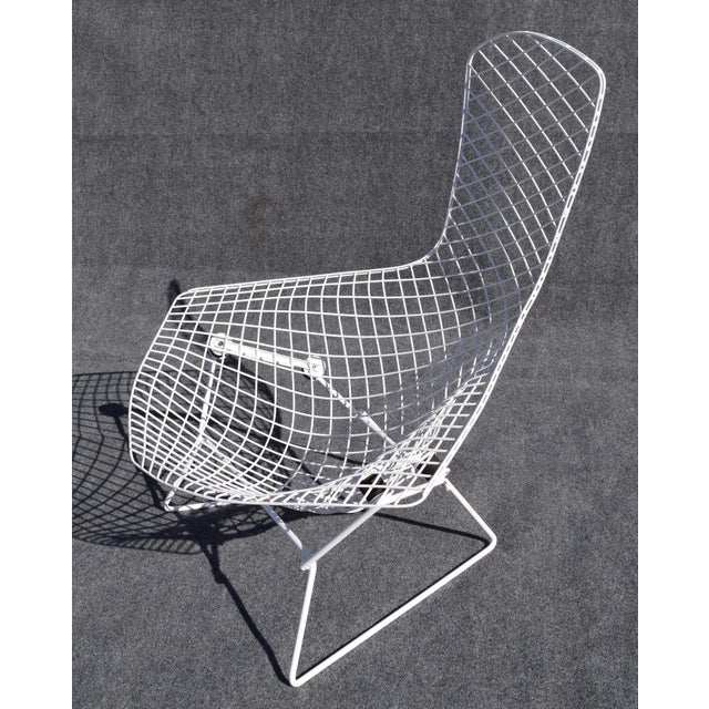 "Mid-Century Modern Mid-Century Modern ""Bird"" Chair by Harry Bertoia for Knoll For Sale - Image 3 of 8"