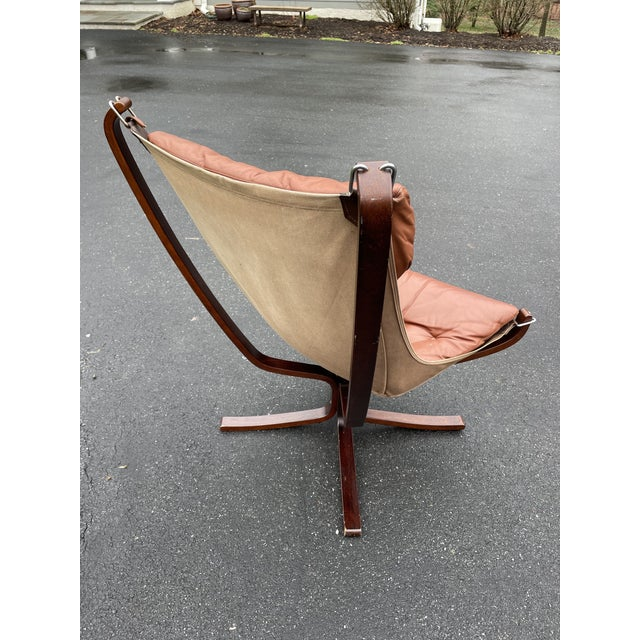 Sigurd Ressell Mid 20th Century Vatne Mobler Tall Falcon Chair For Sale - Image 4 of 8
