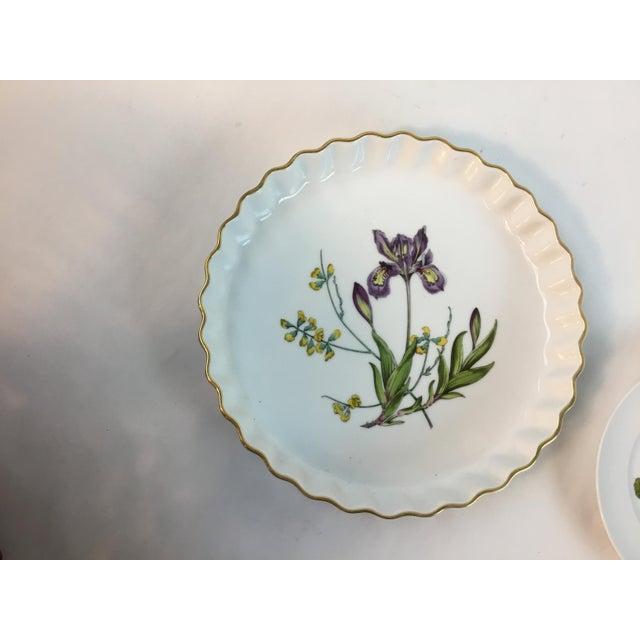 1980s Vintage Spode Stafford Porcelain Iris Tart Pan Plate For Sale - Image 10 of 10