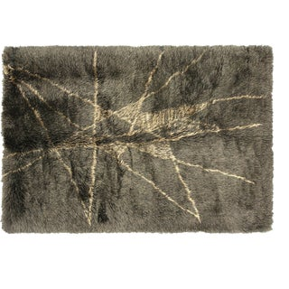 """Contemporary Turkish Shag Rug - 5'6"""" X 7'10"""" For Sale"""