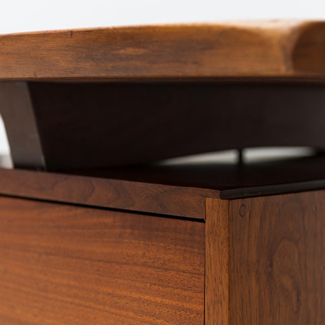 1960s Conoid Cross-Legged Desk in American Walnut and Hickory by George Nakashima, New Hope, 1963 For Sale - Image 5 of 11