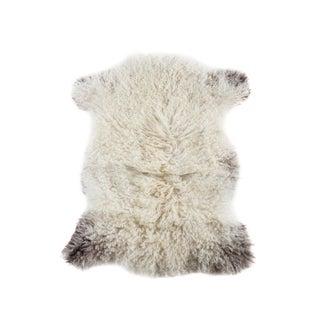 Handmade Wool Sheepskin Pelt Rug - 2′2″ × 2′6″