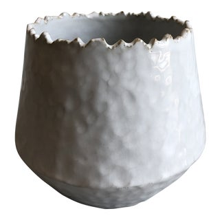 Modern Made Good White Textured Decorative Vase