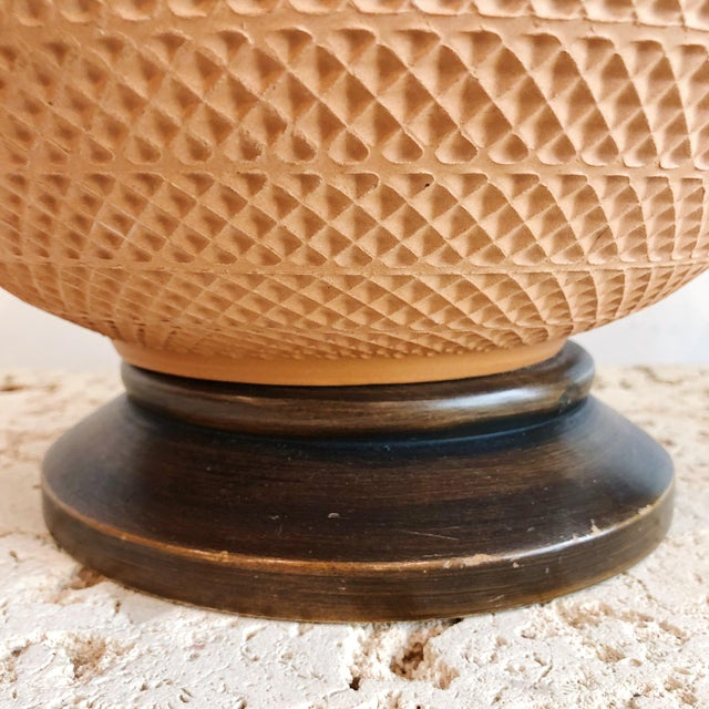 Pair Vintage Mutual Sunset Incised Pottery Terra Cotta Spherical Lamps For Sale In West Palm - Image 6 of 8