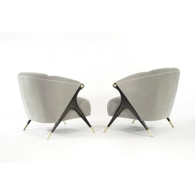 Mid-Century Modern Karpen Modernist Lounge Chairs in Taupe Mohair, 1950s - a Pair For Sale - Image 3 of 8