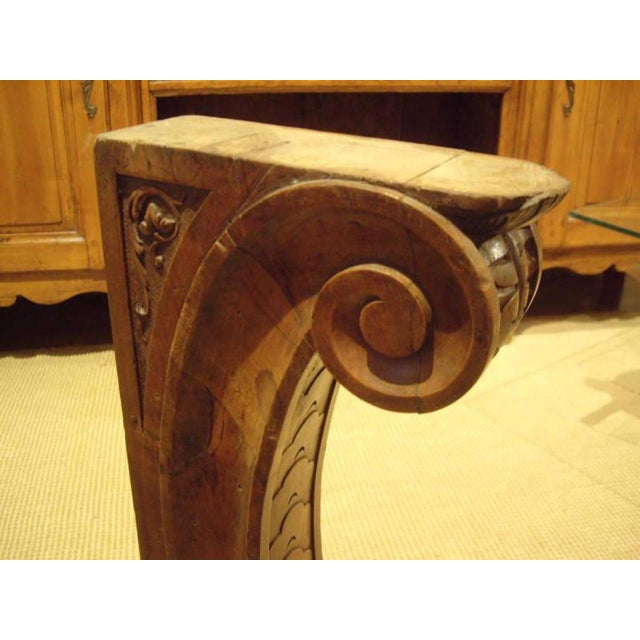 Brown Pair of Large 19th Century Italian Walnut Architectural Brackets For Sale - Image 8 of 10