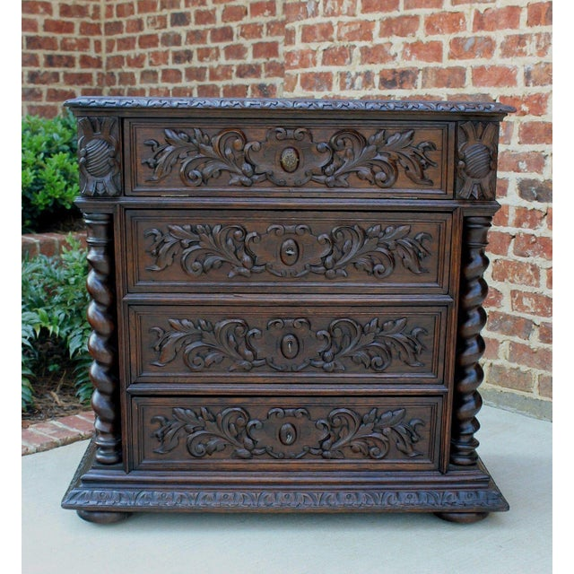 Antique French Oak Mid-19th Century Renaissance Revival Barley Twist 3-Drawer Chest Entry Commode Cabinet For Sale In Dallas - Image 6 of 13