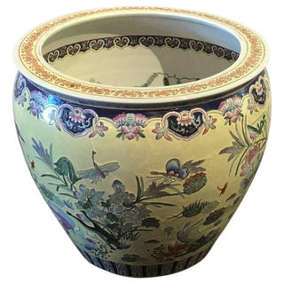 Large Chinese Export Yellow and White Porcelain Jardiniere or Plant Pot For Sale