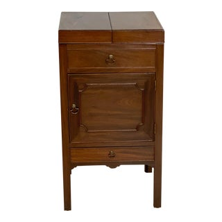 Early 19th Century Georgian Mahogany Wash Stand For Sale