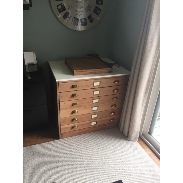 Contemporary Carved Oak & Laminate 6-Drawer Flat File Cabinet - Image 5 of 7