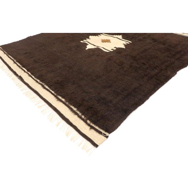 52848 Vintage Turkish Angora Blanket Rug with Mid-Century Modern Style 04'00 x 04'06. With its minimalist design, plush...