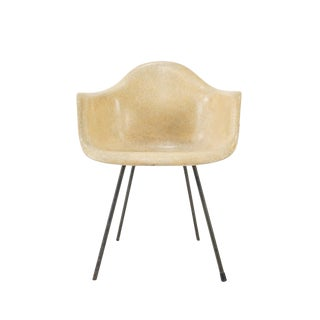 Vintage Second Generation Herman Miller Shell Chair With Early X Base For Sale