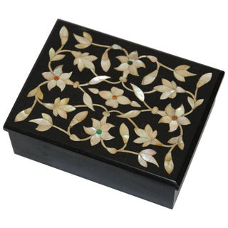 Rajasthani Black Marble Inlay Pietra Dura Trinket Box For Sale