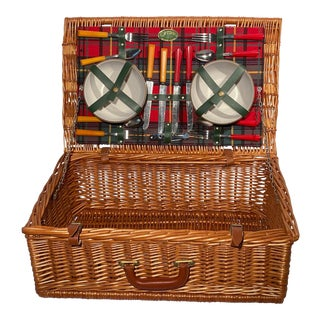 Vintage Wicker Picnic Basket With Bakelite Silverware For Sale