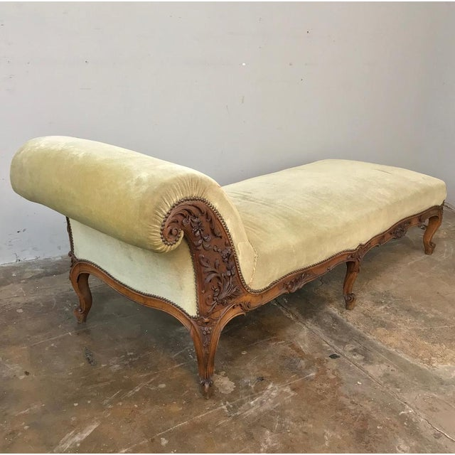 19th Century French Louis XV Chaise Longue For Sale - Image 12 of 13