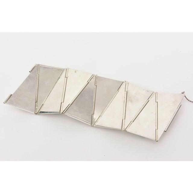 Metal Sterling Silver & Malachite Sculptural Cuff Bracelet Vintage For Sale - Image 7 of 10