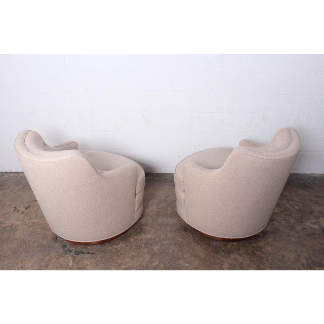 1950s Pair of Dunbar Swivel Chairs by Edward Wormley For Sale - Image 5 of 11