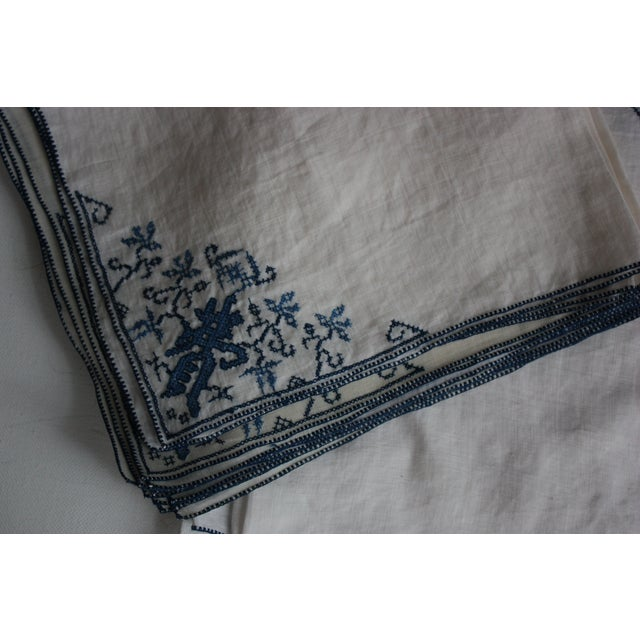 Hand-Embroidered Linen Tablecloth & Napkins - 9 - Image 4 of 5