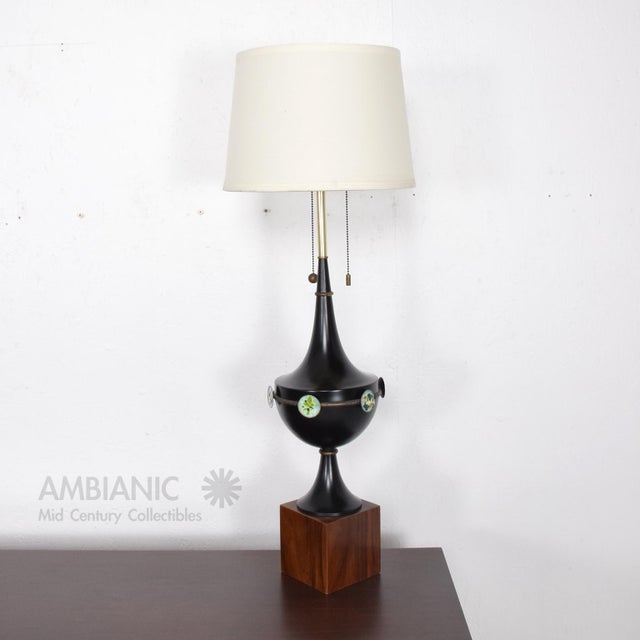 Aluminum Mid Century Mexican Modernist Table Lamp With Enamel Decorations For Sale - Image 7 of 9