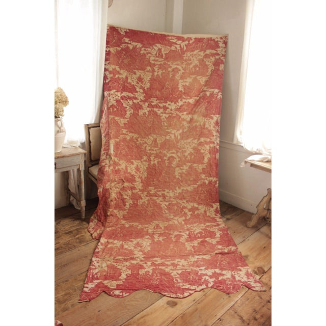 Antique French Toile l'Art d'Aimer Chef De Piece Bordeaux Coverlet For Sale - Image 12 of 12