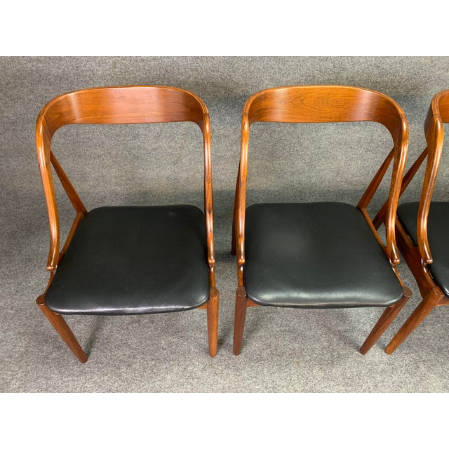 1960s Vintage Johannes Andersen Danish Modern Walnut Dining Chairs- Set of 4 For Sale In San Diego - Image 6 of 10