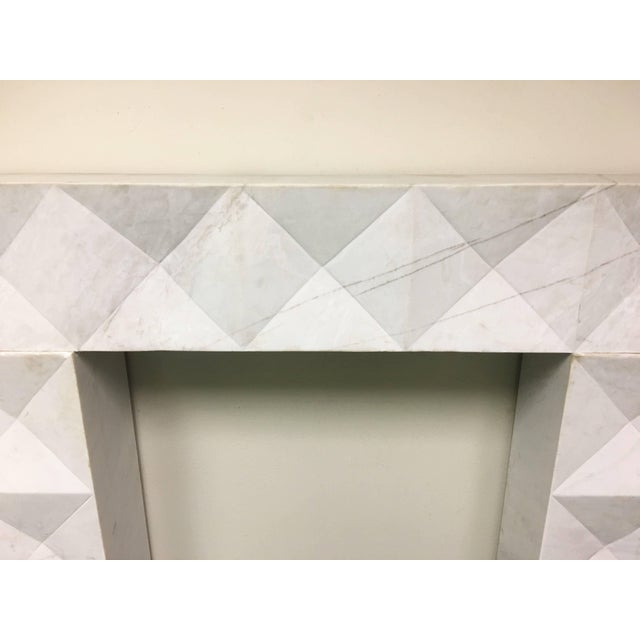 Brutalist 1960s Brutalist Style Mantel in Carrara Marble in Style of De Coene Frères For Sale - Image 3 of 9