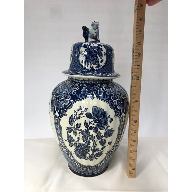 1960s Mid-20th Century Dutch Painted Blue and White Faience Delft Ginger Jar For Sale - Image 5 of 12