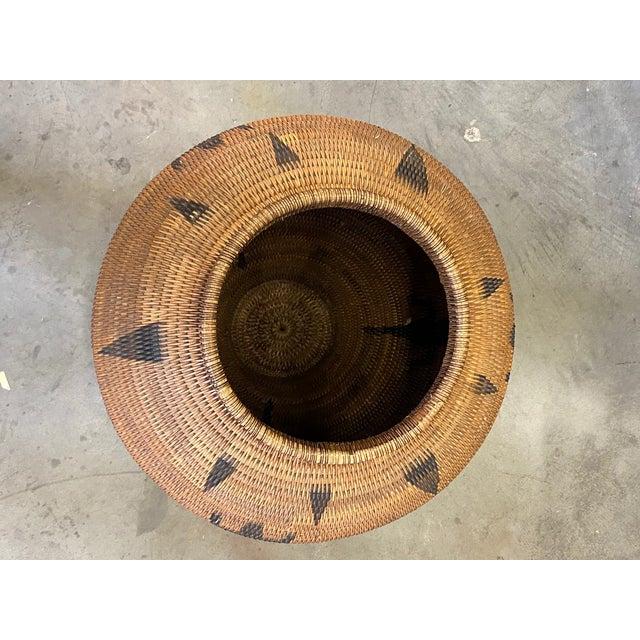 Brown Vintage Urn Shaped Lidded Hand Woven Fiber Basket For Sale - Image 8 of 10