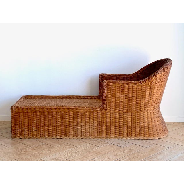 Wicker Chaise - Beautiful antique with loads of soul - Simple elegant shape - Bamboo wood reinforced under the wicker for...