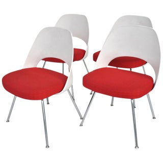 Set of Four Contemporary Knoll Eero Saarinen 72c-Piece Dining Side Chairs For Sale
