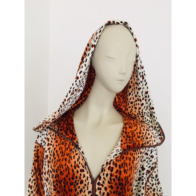 Boho Chic 1970s Moroccan Hooded Caftan Animal Print Djellabah Kaftan For Sale - Image 3 of 12