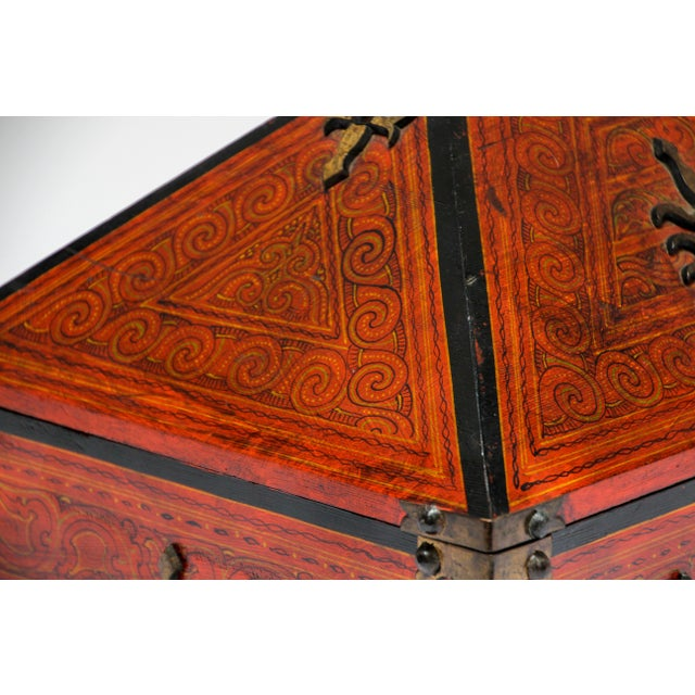 Large Decorative Indian Jewelry Box With Brass, Kerala Nettur Petti For Sale - Image 4 of 13
