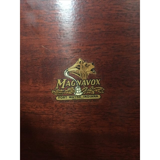 1940s Magnavox Radio and Phonograph Console For Sale In Seattle - Image 6 of 9