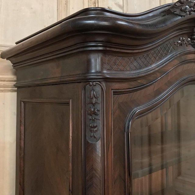 19th Century French Louis XV Rosewood Display Armoire ~ Bookcase For Sale - Image 9 of 13