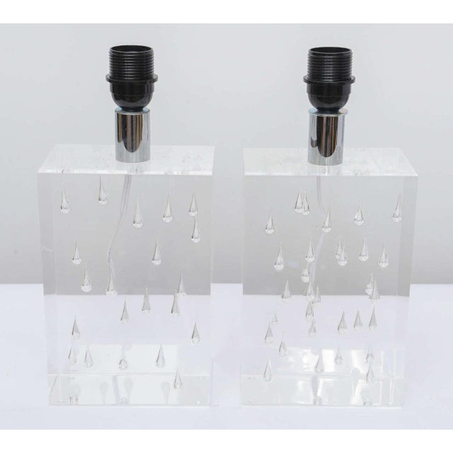 Lucite Pair of Rare Thick and Lucite Block with Raindrop Lamps For Sale - Image 7 of 11