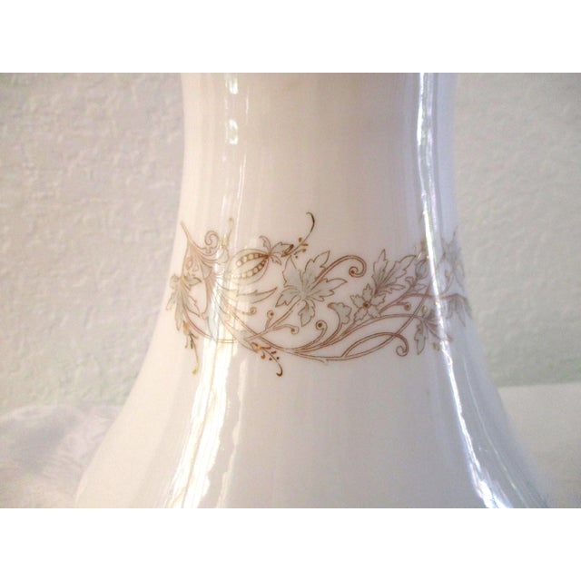 Hollywood Regency 1920s White & Gold Porcelain Coffee Pot For Sale - Image 3 of 9
