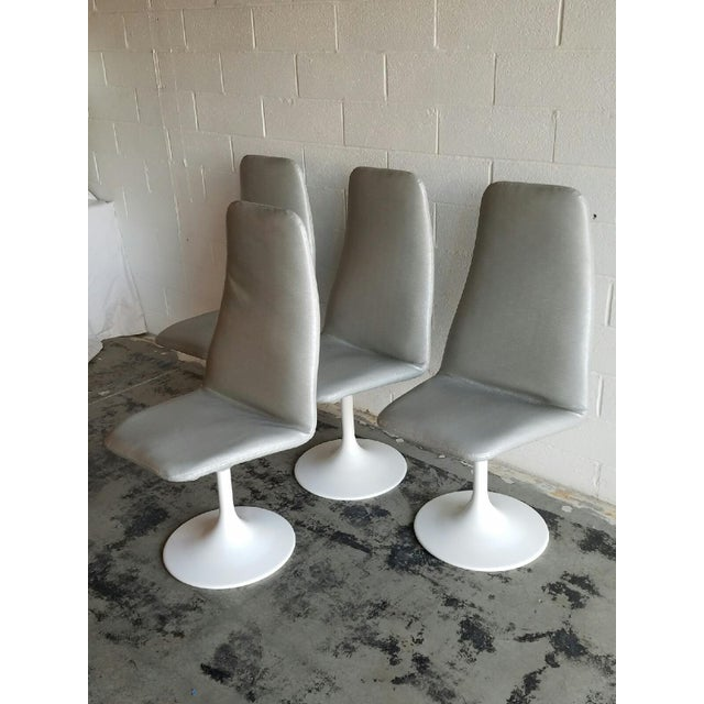Mid-Century Modern Vintage Tulip Swivel Chairs - Set of 4 For Sale - Image 3 of 6