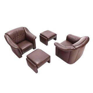 Pair of Brown Leather Lounge Chairs with Ottomans For Sale
