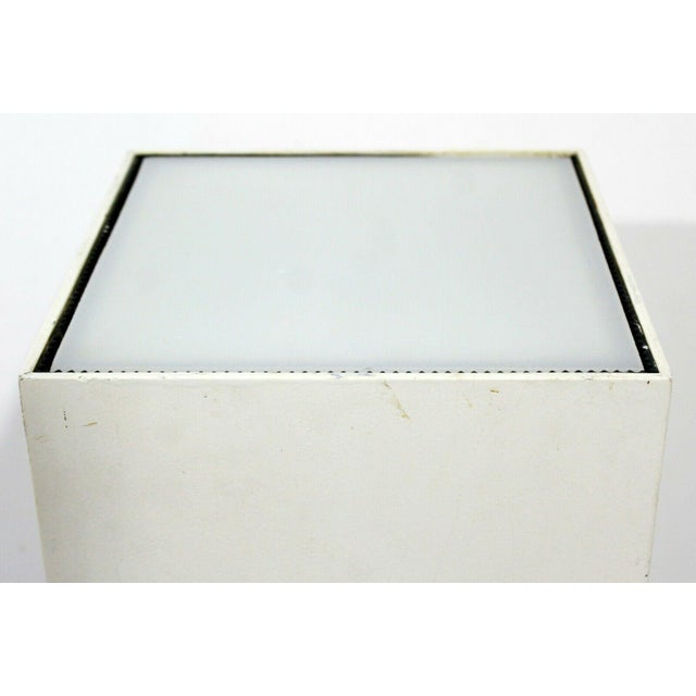 1980s Contemporary Modern Square Lighted Display Pedestal Table For Sale - Image 5 of 10