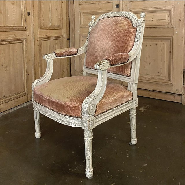 Antique White Pair 19th Century French Louis XVI Painted Armchairs ~ Fauteuils For Sale - Image 8 of 13