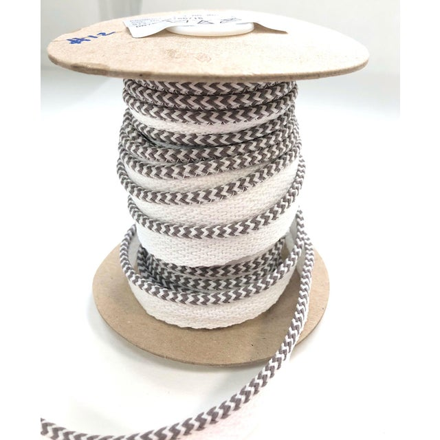 """2010s Braided 1/8"""" Indoor-Outdoor White-Gray Cord For Sale - Image 5 of 10"""