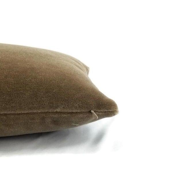 "Contemporary S. Harris Melrose Mohair Velvet in Linen Lumbar Pillow Cover - 12"" X 20"" For Sale - Image 3 of 5"