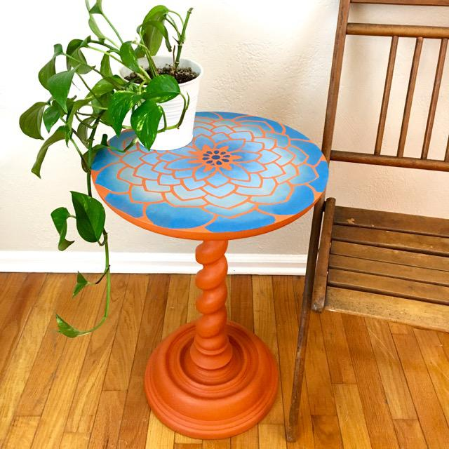 20th Century Boho Chic Hand Painted Flower Side Table For Sale - Image 4 of 6