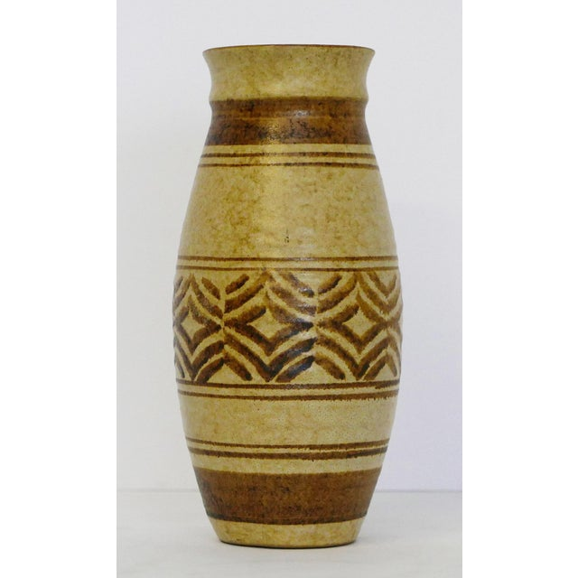 Boho (Bohemian) Craft Pottery Vase Hour glass shaped. Great geometric shapes and brown varied widths.